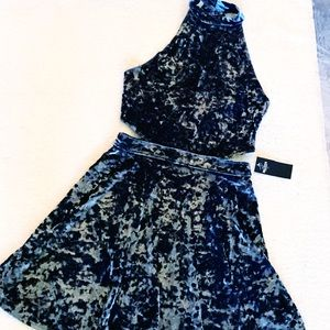 NWT HOLLISTER Trendy Cutout Midi Dress High Neck